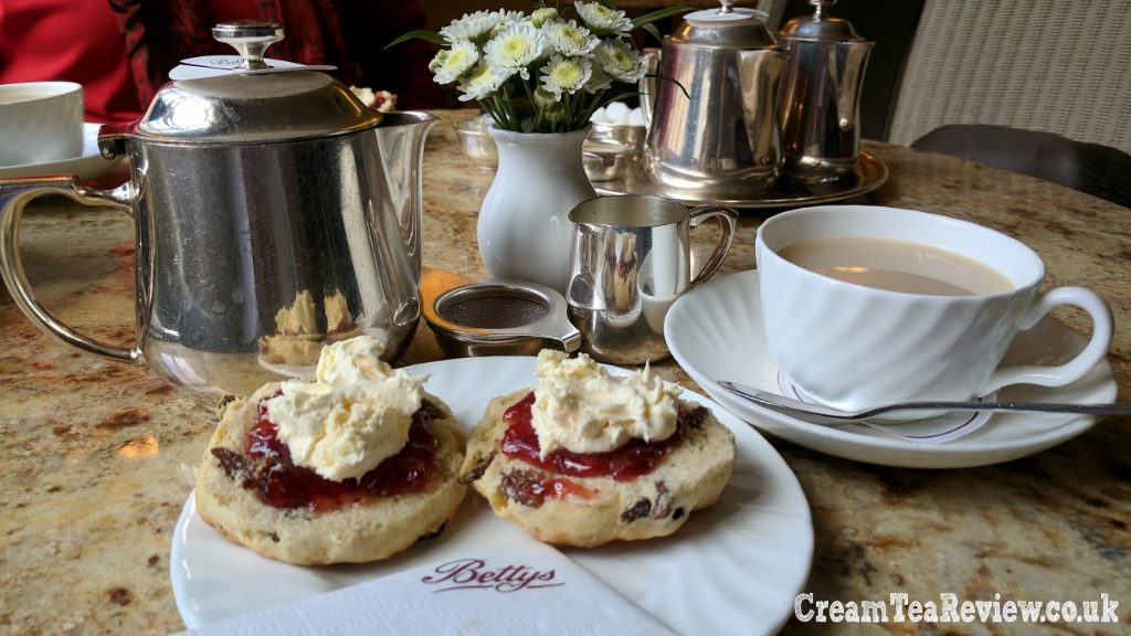 Bettys Caf 233 Tea Rooms York Cream Tea Review